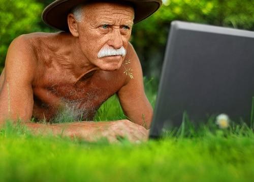Caro nonno, ecco come comunicare nel web 3.0 | Emoe
