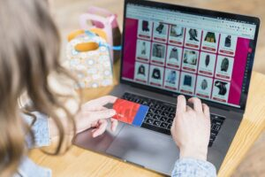 realizzare un sito web e-commerce con CMS